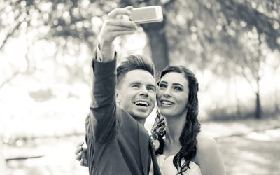 Bridal couple selfie